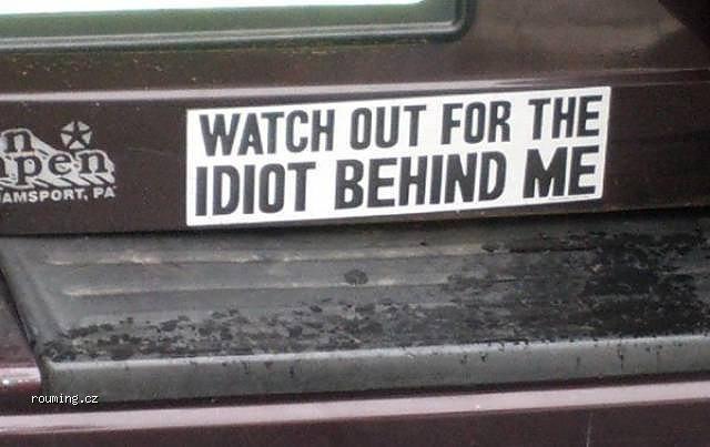 idiot_behind_me