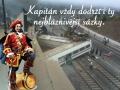 Kapitan_dodrzi_sazku
