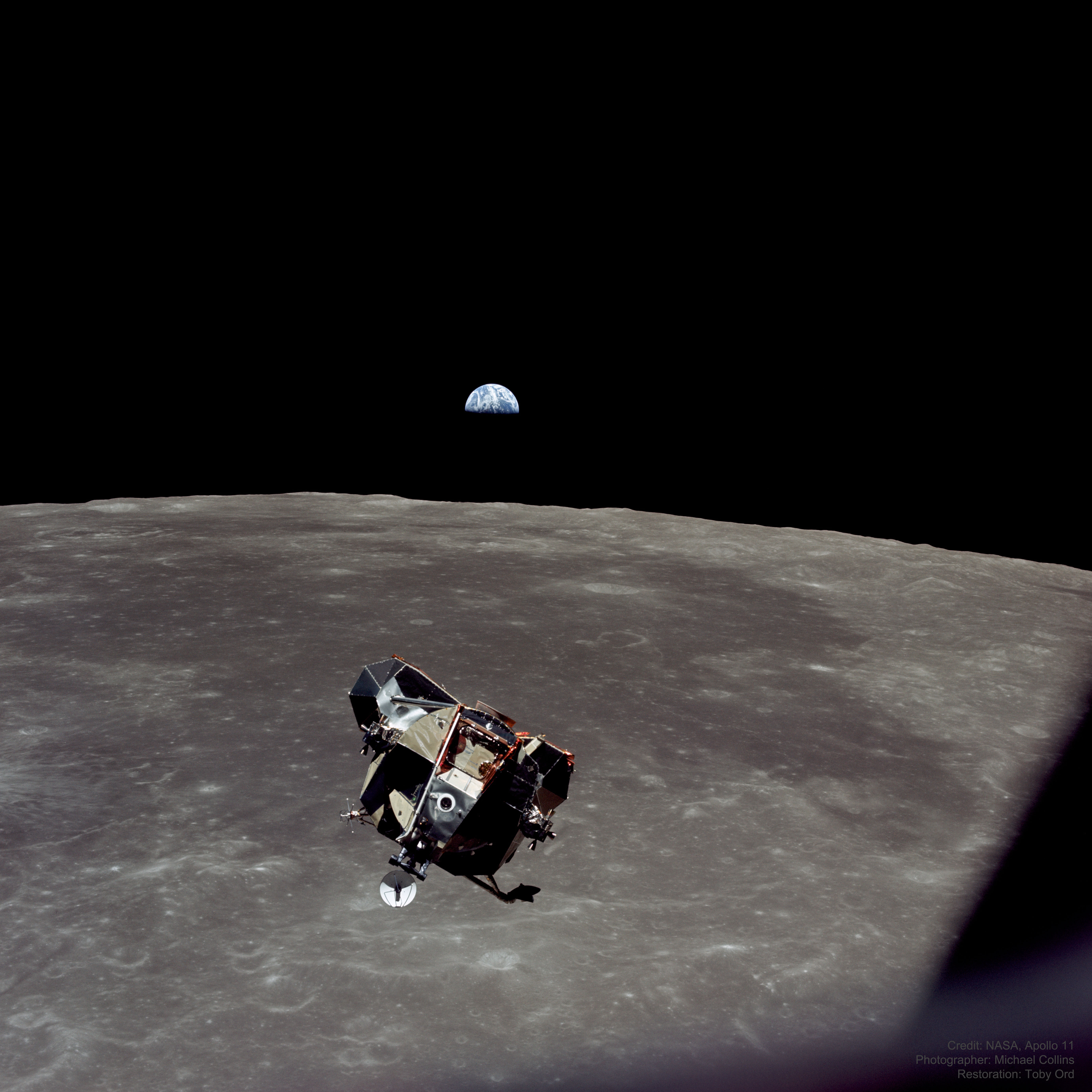 EarthMoonSpaceship_Apollo11Ord_5500