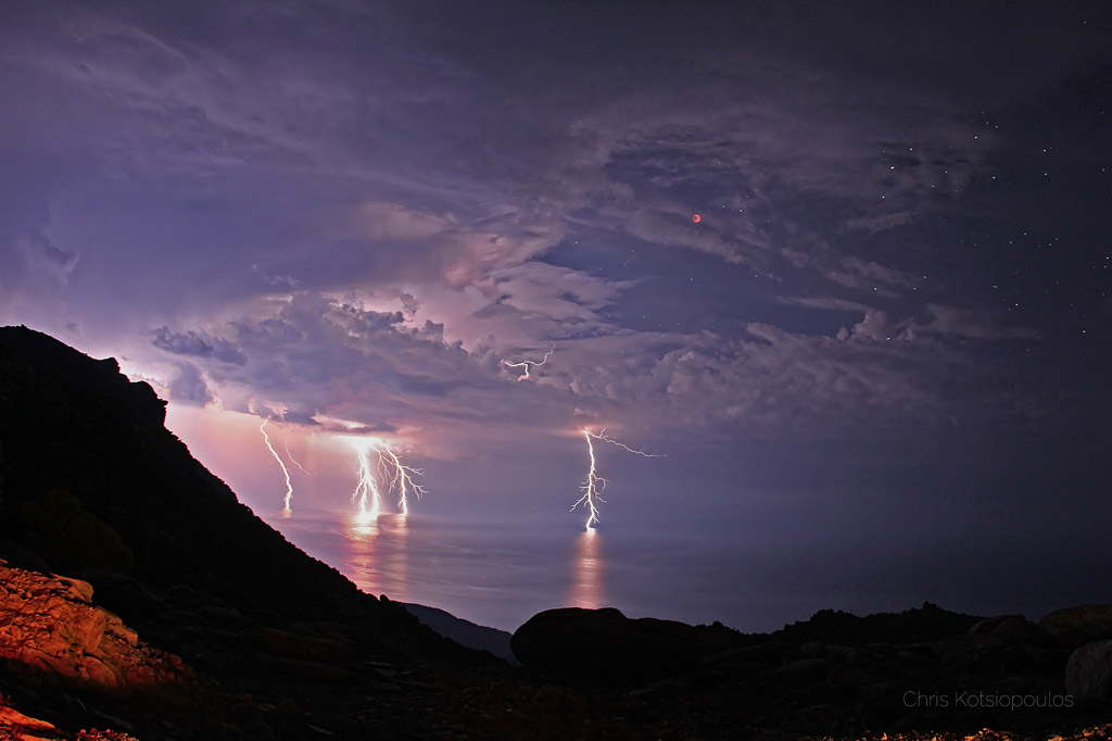 lunar eclipse and lightning